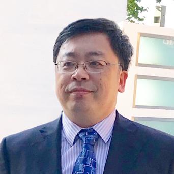 Liu Wei's headshot